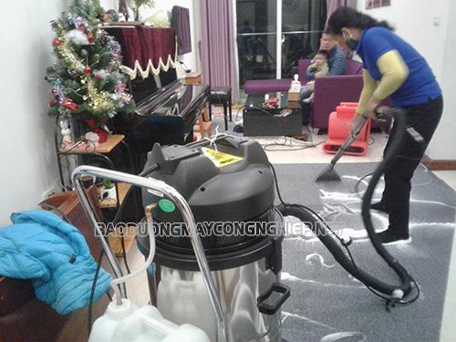 Giặt thảm bằng máy giặt thảm phun hút