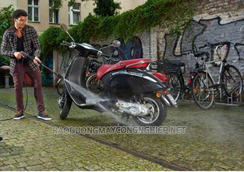 Nhu cầu rửa xe tại nhà với máy rửa xe mini gia đình ngày càng tăng cao