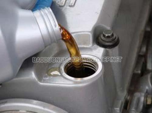 Xử lý hiện tượng dầu máy nén khí đọng nước