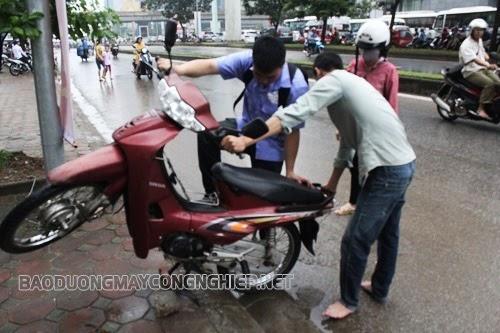 xe máy bị ngập nước hậu quả