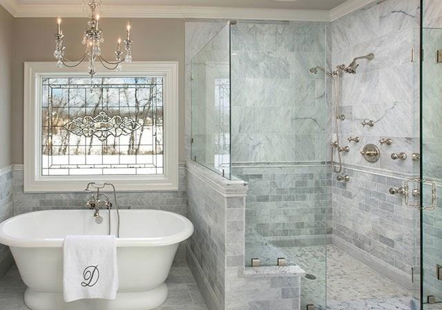 Kính phòng tắm kém nhất lượng nhanh bị đục màu