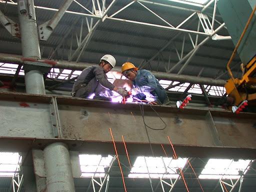 Kiểm tra và sửa chữa những hư hỏng kịp thời cho cầu trục