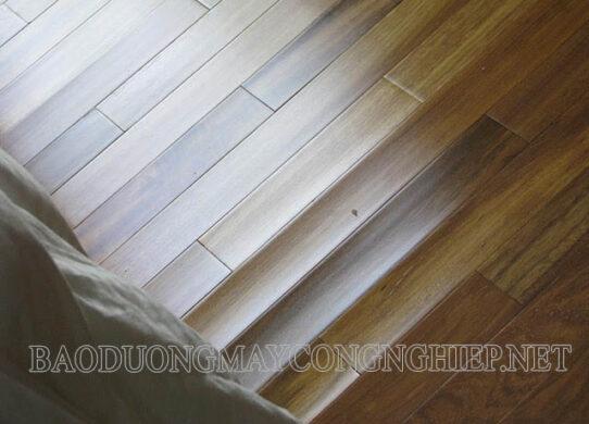 Sửa sàn gỗ bị phồng không khó